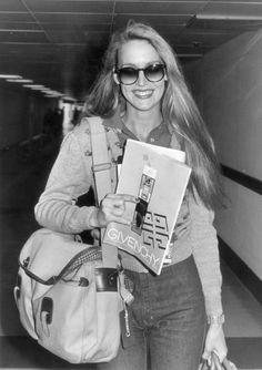 Jerry Hall à l'aéroport de Londres, 1979