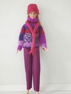 Coltrui, lange broek, sjaaltje en mutsje voor Barbie