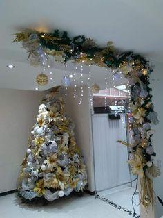 Diy Christmas Ornaments, Christmas Themes, Christmas Holidays, Christmas Wreaths, Christmas Tree Decorations, Holiday Decor, All Things Christmas, Winter Craft, Christmas Crafts