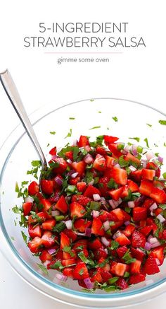 5-Ingredient Strawberry Salsa. Perfect for a summer BBQ! #summer #strawberry #recipe
