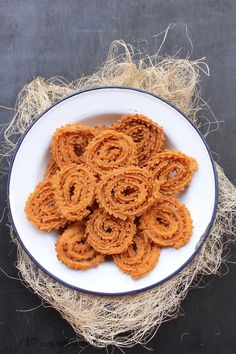Chakri, Goan rice flour chakri, rice flour muruku, Chakli made from rice flour for festivals Rice Recipes, Indian Food Recipes, Cooking Recipes, Ethnic Recipes, Diwali Recipes, Recipies, Dessert Recipes, Brussel Sprouts In Oven, Fried Fish