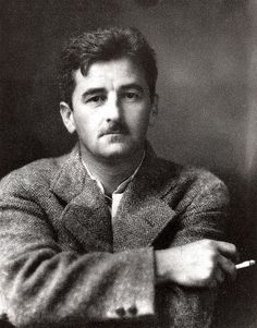 """William Faulkner, author photo for """"Sanctuary,"""" 1931. Photo by J. R. Cofield of Oxford, Mississippi.http://classicalnovels.blogspot.com - Descubra Lendas da Literatura no E-Book Gratuito em http://mundodelivros.com/e-book-25-escritores-que-mudaram-a-historia-da-literatura/"""