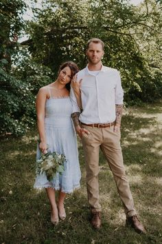 Mens Casual Wedding Attire, Casual Groom Attire, Casual Grooms, Wedding Dress Men, Romantic Wedding Inspiration, Wedding Photography Inspiration, Groom Outfit Inspiration, White Flowy Dress, Intimate Wedding Ceremony