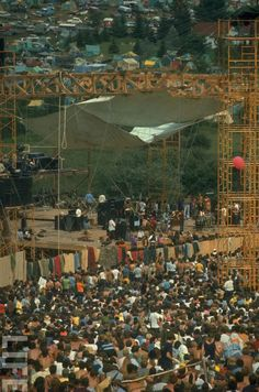 refresh ask&faq archive theme Welcome to fy hippies! This site is obviously about hippies. There are occasions where we post things era such as the artists of the and the most famous concert in hippie history- Woodstock! 1969 Woodstock, Woodstock Hippies, Woodstock Festival, Woodstock Music, Woodstock Pictures, Rock N Roll, Hippie Movement, Hippie Culture, Rock Festivals