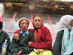 """Medaile za kolektivní práci dětí: kolektivní práce dětí """"What is happening in our School and Neighborhood"""" (6-16 let), Sun School in Kargyak, Zanskar - Kargyak, Indie Indie"""