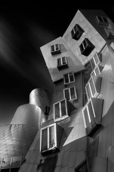 Ray and Maria Stata Center for the Massachusetts Institute of Technology by Frank Gehry (by Yuri Kriventsoff)