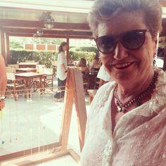 Mara Maionchi con i suoi nuovi orecchini GM Gioielli
