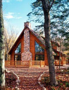 Largest log cabin homes upper peninsula michigan log producer and architect hiawatha log - Small log houses dream vacations wild ...