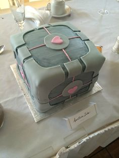 Companion Cube Cake #Portal