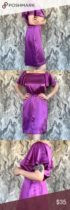 100% Silk Dress 👗 Such a luxurious feel and move to this classically beautiful dress. NWOT ❤️😻❤️😻 Banana Republic Dresses