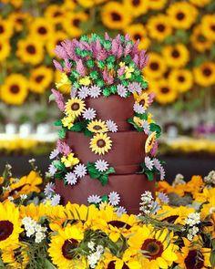 Detalhe do bolo lindo que a @sweetshotatelier fez além dos brigadeiros gourmets e flores da @didigheler  #festadaalice5anos
