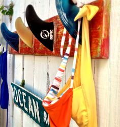 How to make a Surf Fin Coat Rack and CeCe Caldwell Paint Classes nationwide! How to make a surf fin Surf Decor, Decoration Surf, Surf Style Decor, Surfboard Rack, Surfboard Fins, Surfboard Decor, Table Surf, Deco Surf, Surf Room