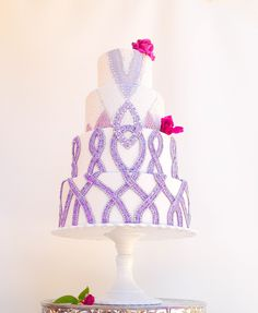 Georges Chakra fashion inspired cake by Sevacha cake, features in Cake Central magazine