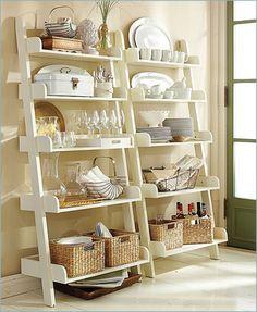 お気に入りの食器が棚に収納しきれない!という時には、ぜひラダーラックを活用してみましょう。おしゃれな雑貨とディスプレイすれば、お部屋の素敵なインテリアにもなります。