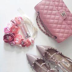 Hope, Strength, Courage #thinkpink🎀  #octoberisbreastcancerawarenessmonth . . . . . . . . . #thinkpink #postpink #pinkribbon #breastcancerawareness #breastcancer #pink #wearpink #october #hope #chanel #chanelbag #chanelclassic #chanelclassicflap #chanelcaviar #valentino #valentinorockstud #dior #diorlipstick #peonies  #chanellover #chaneladdict #valentinowelove #flatlay #melbourne #melbournefashion #melinmelbourne