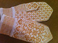 Ravelry: Bianca's Mittens/Biancas Votter pattern by Wenche Roald Knitting Charts, Knitting Socks, Baby Knitting, Knitting Patterns, Crochet Patterns, Knit Socks, Mittens Pattern, Knit Mittens, Knitted Gloves