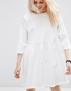 Изображение 3 из Белое джинсовое платье с присборенной юбкой ASOS