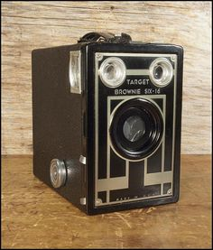 Working Kodak Target Six-16 Box Camera in Excellent Condition with Digital Copy of Original How To Manual
