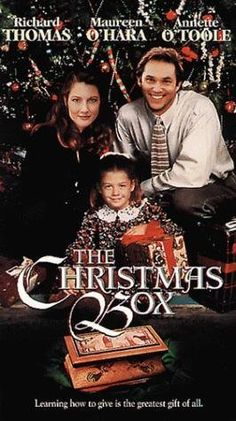 The Christmas Box ski-shop owner reluctantly moves himself, his wife, and his daughter in to an estate as live-in help for an elderly widow. While struggling to balance his career and family life, he has recurring dreams about an angel. Xmas Movies, Best Christmas Movies, Hallmark Christmas Movies, Christmas Shows, Hallmark Movies, Family Movies, Old Movies, Great Movies, Holiday Movies