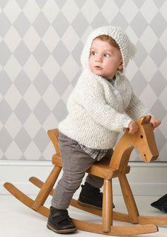 1702 Smårollinger. Strikket Hettejakke Chair, Furniture, Decor, Patron Robe, Threading, Decorating, Home Furnishings, Inredning, Interior Decorating