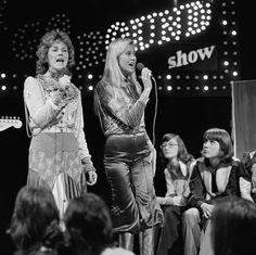 """Agnetha and Frida  """" Waterloo """"Eddy go round show 1974"""
