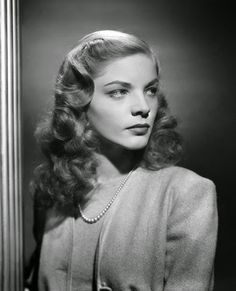 Vintage Glamour Girls: Lauren Bacall