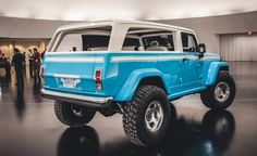 Gnarly Jeep Chief Concept Brings the Beach Vibe Anywhere - Photo Gallery of Car News from Car and Driver - Car Images - Car and Driver Jeep Jk, Jeep Truck, 4x4 Trucks, Ford Trucks, Jeep Wrangler, Jeep Concept, Concept Cars, Retro Surf, Jeep Wagoneer