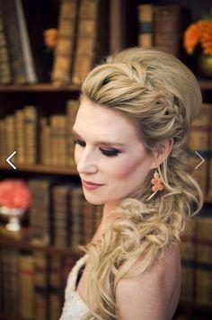 #sidehair #curly #bump #Longhair #weddinghair #promhair