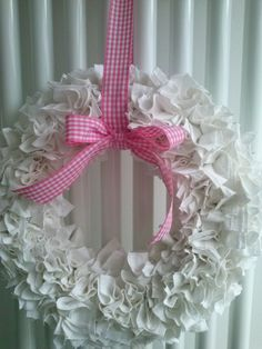 Make these using old sheets, burlap, muslin, felt or scrap fabric. Old Sheets, Fabric Scraps, Scrap Fabric, Old English, Burlap Wreath, Projects To Try, Arts And Crafts, Diy, Wreaths