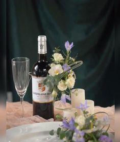 Flower Boxes, Diy Flowers, Flower Decorations, Wedding Decorations, Christmas Decorations, Wine Bottle Flowers, Wine Bottle Crafts, Deco Floral, Floral Foam