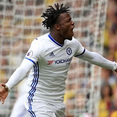 Michy Batshuayi pushing for Chelsea starting place - Thibaut Courtois