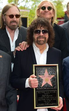 MUSIC-JEFF LYNNE