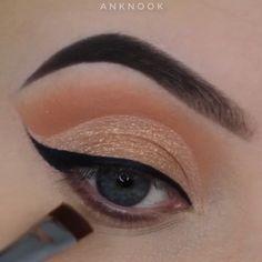 make up videos Stunning Eye Makeup Tutorials! Smokey Eye Makeup, Eyebrow Makeup, Skin Makeup, Eyeshadow Makeup, Glam Makeup, Bridal Makeup, Wedding Makeup, Makeup Trends, Makeup Tips