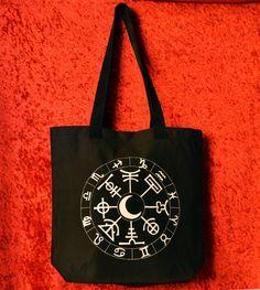 Bolso pintado a mano Rueda del año Wicca Horoscopo por WitchDreams