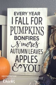 7 Creative DIY Signs To Make This Fall, Diy And Crafts, Weathered Wood Sign - Ginger Snap Crafts via Crafting Chicks. Diy Home Decor Rustic, Diy Home Decor Projects, Fall Home Decor, Autumn Home, Pallet Projects, Decor Ideas, Diy Ideas, Craft Ideas, Craft Projects