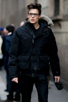Pin by na ✡ tive on men's fashion: fall & winter стиль Fashion Week Hommes, Milan Men's Fashion Week, Mens Fashion Week, Mens Fashion Suits, Fashion Today, Marc Schulze, Matthew Clavane, Style Costume Homme, Winter Fashion Casual