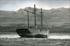 """SS """"Great Britain"""" left to rot in the Falklands Isambard Kingdom Brunel, Hms Victory, Abandoned Ships, Naval History, Great Western, Shipwreck, Tall Ships, Portsmouth, Water Crafts"""