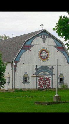 Barn in Frankenmuth, MI. I have been in in Frankenmuth and I would love to return someday. Country Barns, Country Life, Country Living, Country Roads, Barn Art, Barns Sheds, Farm Barn, Red Barns, Barn Quilts