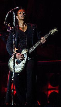 Richard Z. Kruspe is de leadgitarist van de Duitse band Rammstein. Zijn echte voornaam is Zven. Hij heeft een tijd lang de dubbele achternaam Kruspe-Bernstein gebruikt omdat hij getrouwd is geweest met de Zuid-Afrikaans-Amerikaanse Caron Bernstein.