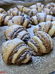 Cream cheese and nut croissants . a small, handy treat-Frischkäse- Nusshörnchen…kleine handliche Leckerei Cream cheese and nut croissants … a small, handy treat – baking with passion - Potluck Desserts, Summer Dessert Recipes, Dessert Cake Recipes, Easy No Bake Desserts, Donut Recipes, Cookie Recipes, Snacks Recipes, Cream Cheese Desserts, Chocolate Recipes