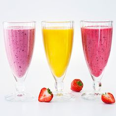 Herkullinen Kaura-mansikka smoothie on aamun kuin aamun ihana virkistys. Se syntyy yhdistämällä Fazer Alku -kaurapuuron hiutaleita mansikoihin ja mantelimaitoon. Tarjoa smoothie kylmänä.
