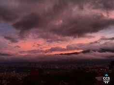 Te presentamos la selección del día: <<AMANECERES>> en Caracas Entre Calles. ============================  F E L I C I D A D E S  >> @jenniferlanzal << Visita su galeria ============================ SELECCIÓN @teresitacc TAG #CCS_EntreCalles ================ Team: @ginamoca @huguito @luisrhostos @mahenriquezm @teresitacc @marianaj19 @floriannabd ================ #amanecer #Caracas #Venezuela #Increibleccs #Instavenezuela #Gf_Venezuela #GaleriaVzla #Ig_GranCaracas #Ig_Venezuela #IgersMiranda…