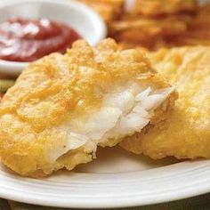 Il baccalà fritto è un delizioso secondo piatto a base di pesce che potete preparare per convincere i bambini a mangiare il pesce, magari li corrompete a suon di fish and chips, che è un'accoppiata assolutamente geniale!