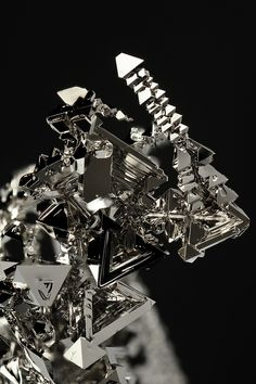 When I first glanced at this, I thought it was an abstract LEGO creation.  0,0  Might have to try that....