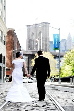 We love this urban wedding photo from New York wedding photographer, A Photo-Video Expressions.     More here: http://snapknot.com/wedding-photographer/3810-A-S-Photo-Video-Expressions-