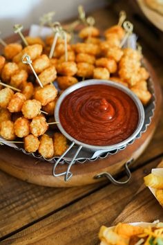 Win Your Next Party: Host a Game Night with These Easy Tips Pop frozen tater tots in the oven, skewer when cool and set on a plate with a side of ketchup. Brunch Party, Bbq Party, Party Snacks, Superbowl Party Food Ideas, Birthday Snacks, Parties Food, Party Games, Appetizer Recipes, Appetizers