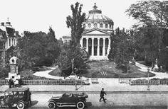 Ateneul Român pe la începutul anilor ai secolului al XX-lea. Bucharest, Funny Photos, Romania, Paris Skyline, The Past, Old Things, City, Places, Travel