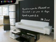 Nuestra Frase Motivadora favorita en la pared del salón... Qué mejor que recordarla cada día? ;)