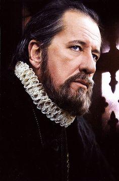 """Geoffrey Rush as Sir Francis Walsingham in """"Elizabeth"""""""