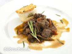 Srnčie ragú Steak, Beef, Ethnic Recipes, Food, Goulash, Meat, Food And Drinks, Food Food, Cooking